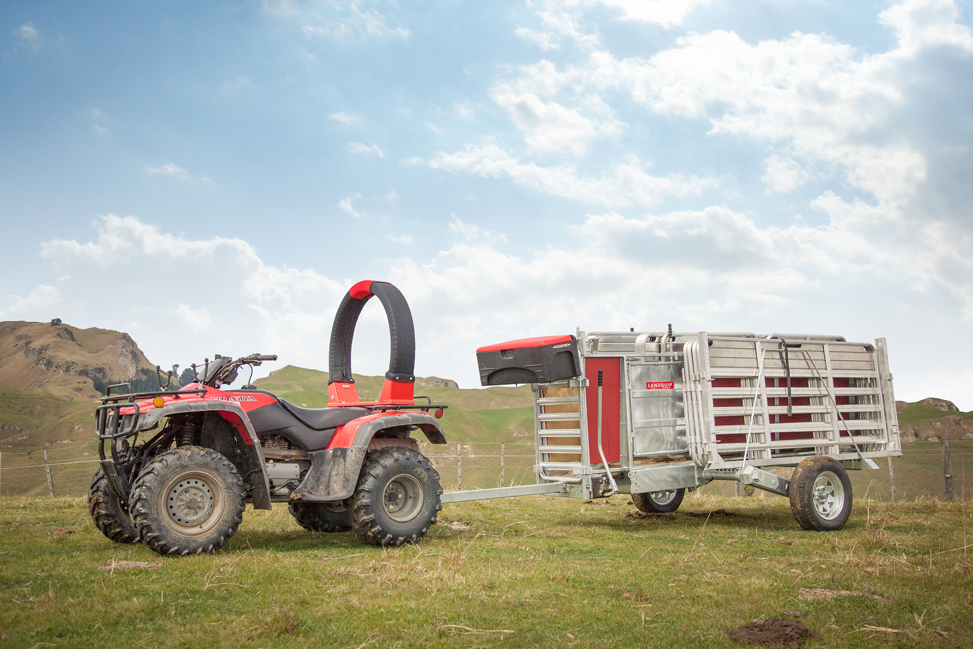 Sheep Handling Equipment - UK producers now have access to Porta-Yards mobile sheep handling systems from Landquip NZ. Quality materials and functional design have made Porta-Yards a leader in New Zealand market for sheep handling equipment.View products