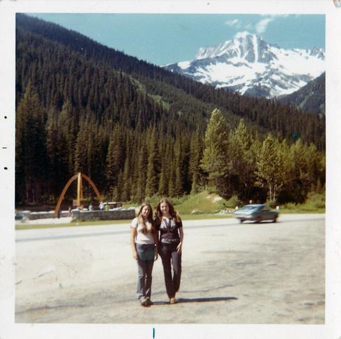 Nancy-Thorne-Hitchhiking-1960s