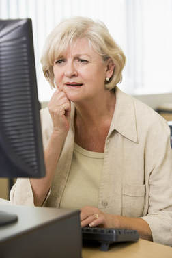 frustrated-woman-at-computer.jpg