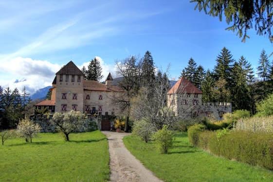 mansion-outside-2.jpg