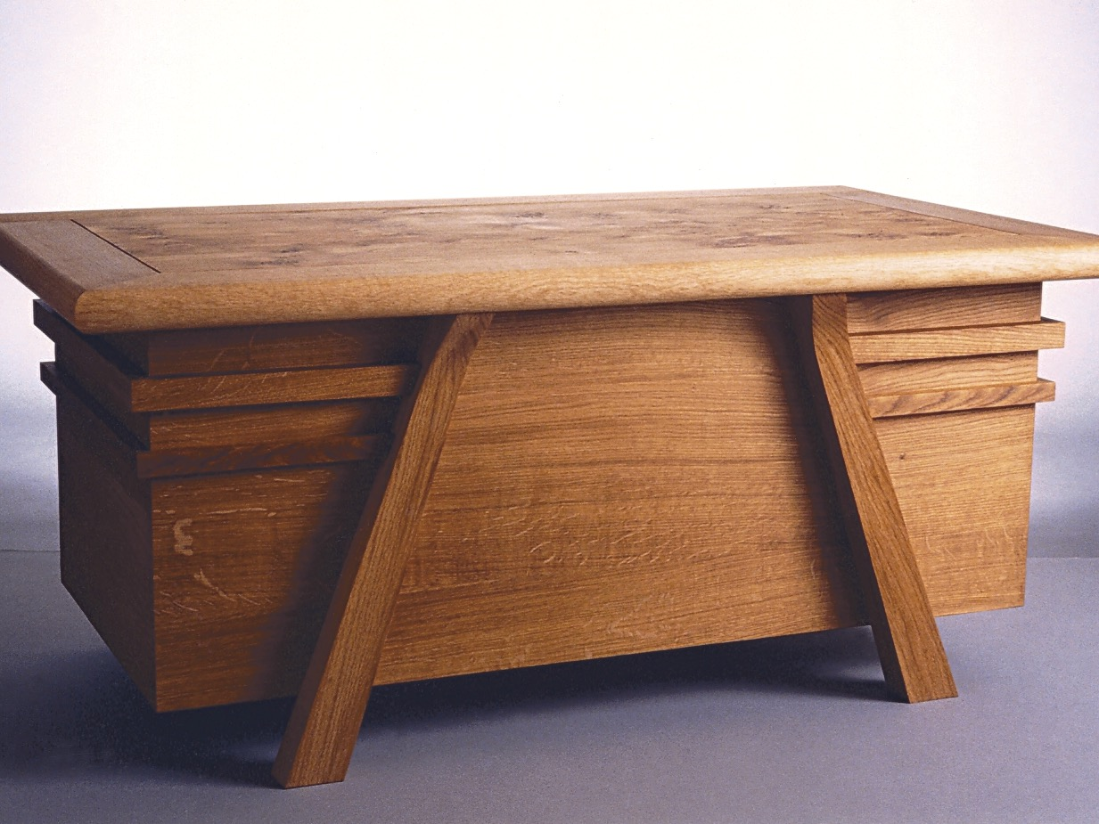 Parnham blanket chest- english oak, english pippy oak, one of my the earliest pieces, 1992