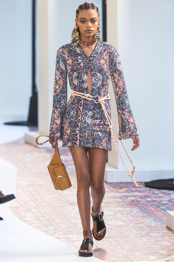 defile-chloe-printemps-ete-2019-paris-look-20.jpg