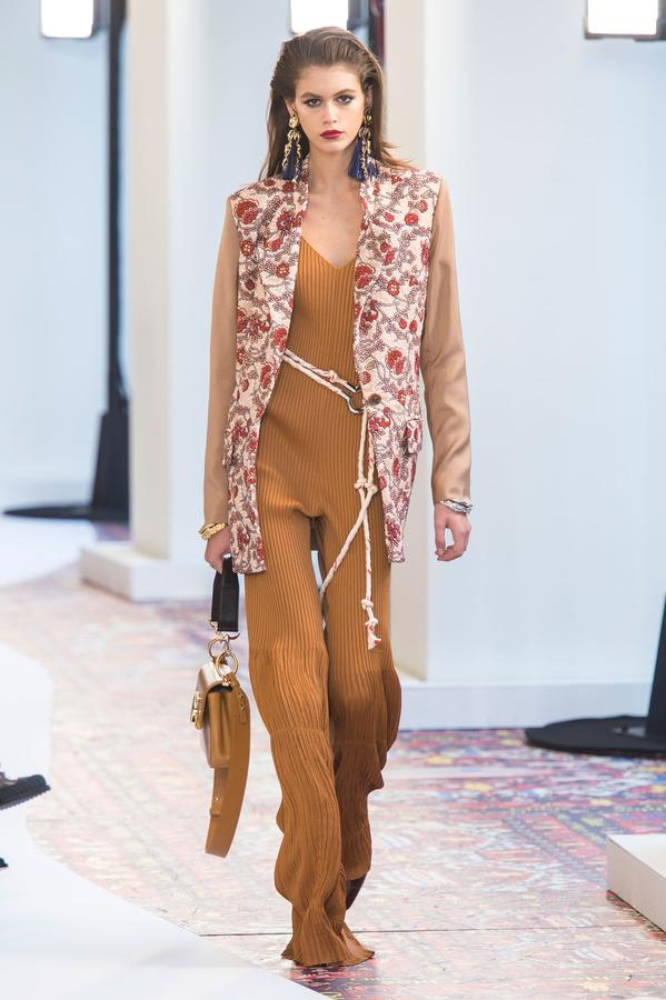 defile-chloe-printemps-ete-2019-paris-look-22.jpg