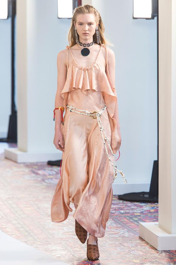 defile-chloe-printemps-ete-2019-paris-look-51.jpg