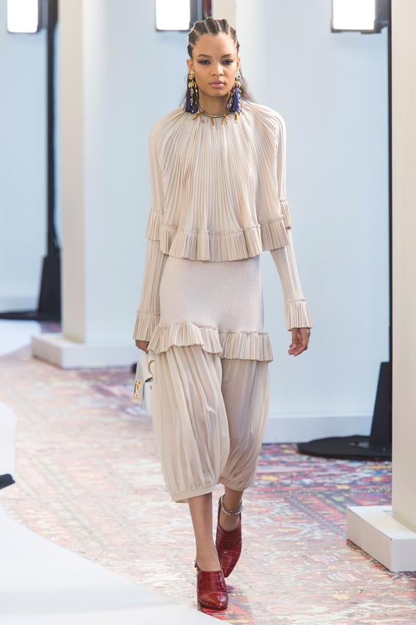 defile-chloe-printemps-ete-2019-paris-look-56.jpg
