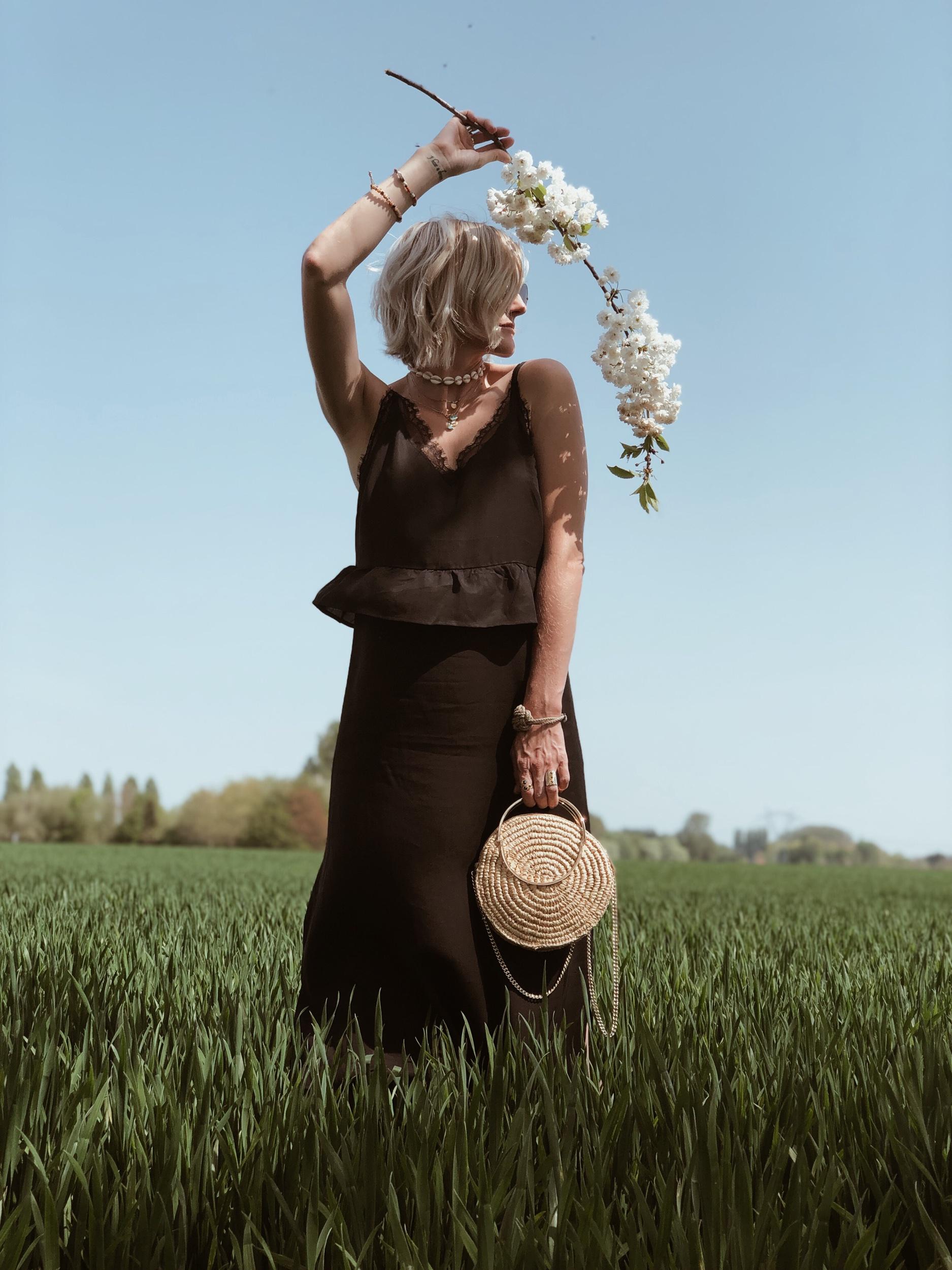 Carnet Sauvage - blog mode et tendances Lille, idée look robe noire Vero Moda