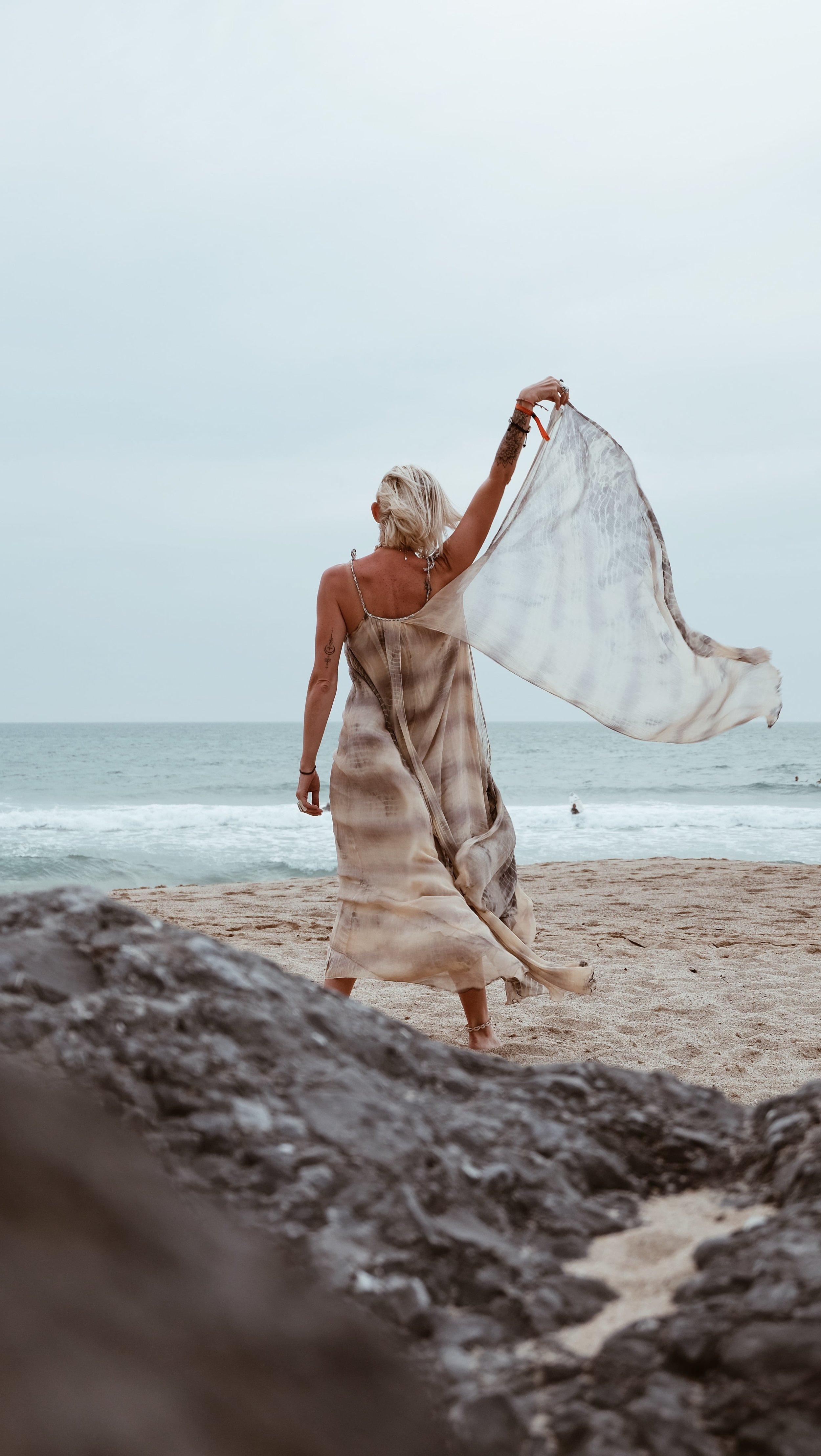 Carnet sauvage- blog mode - robe mesdemoiselles paris26-min.JPG
