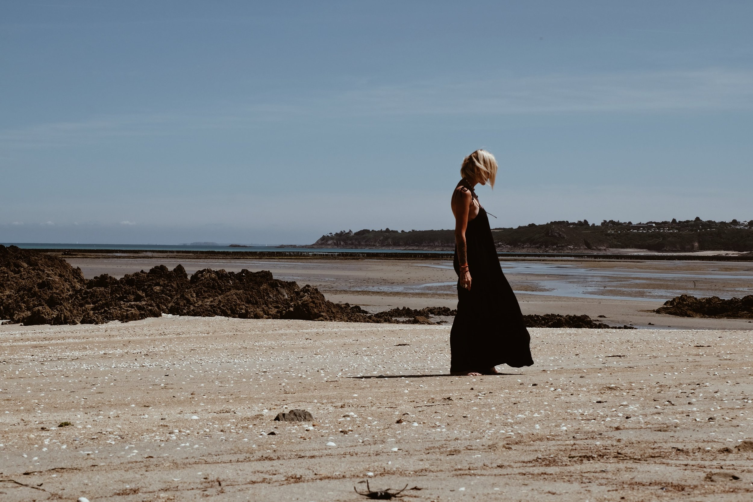 Carnet Sauvage - robe longue noire Stradivarius4.JPG