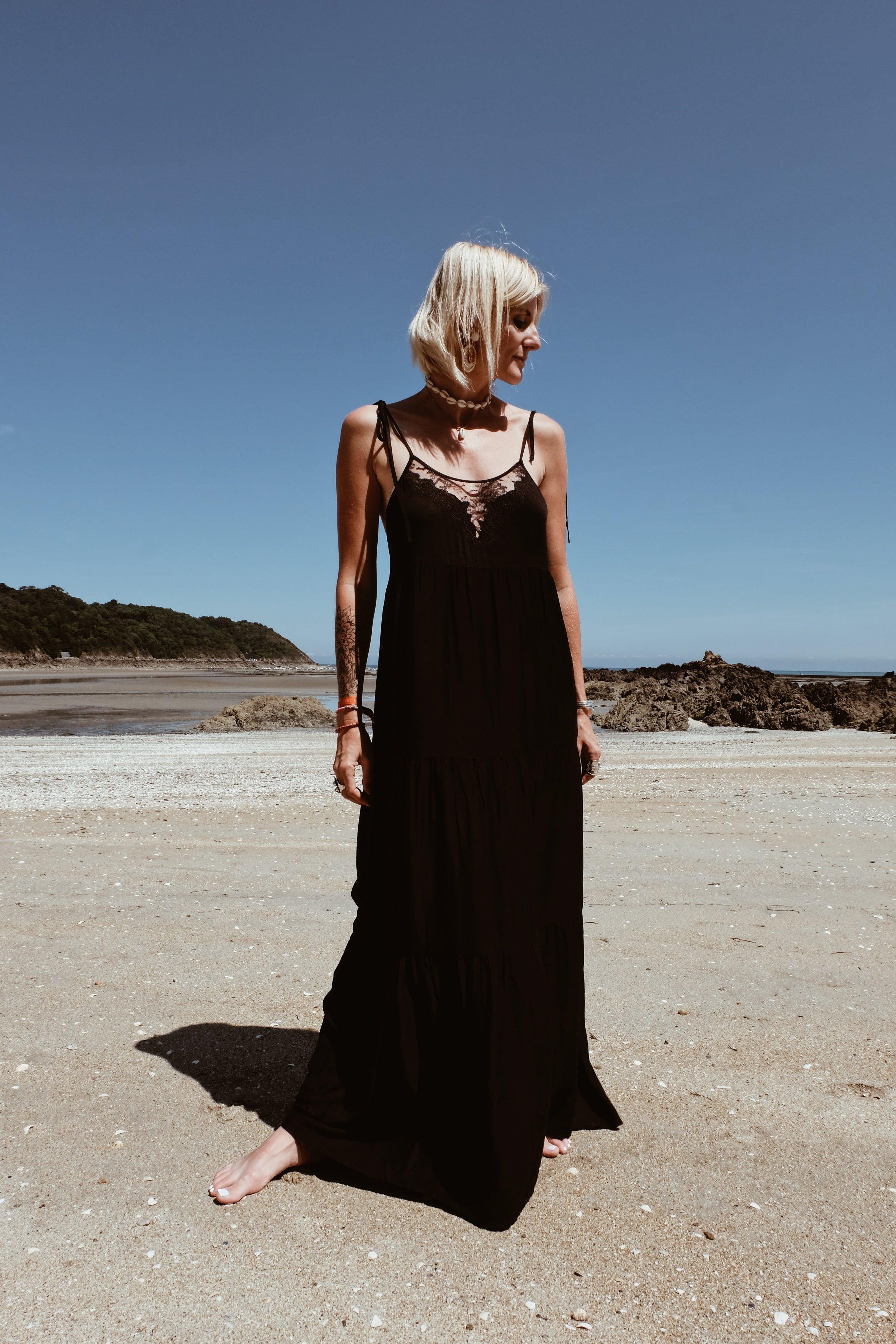 Carnet Sauvage - robe longue noire Stradivarius9.JPG