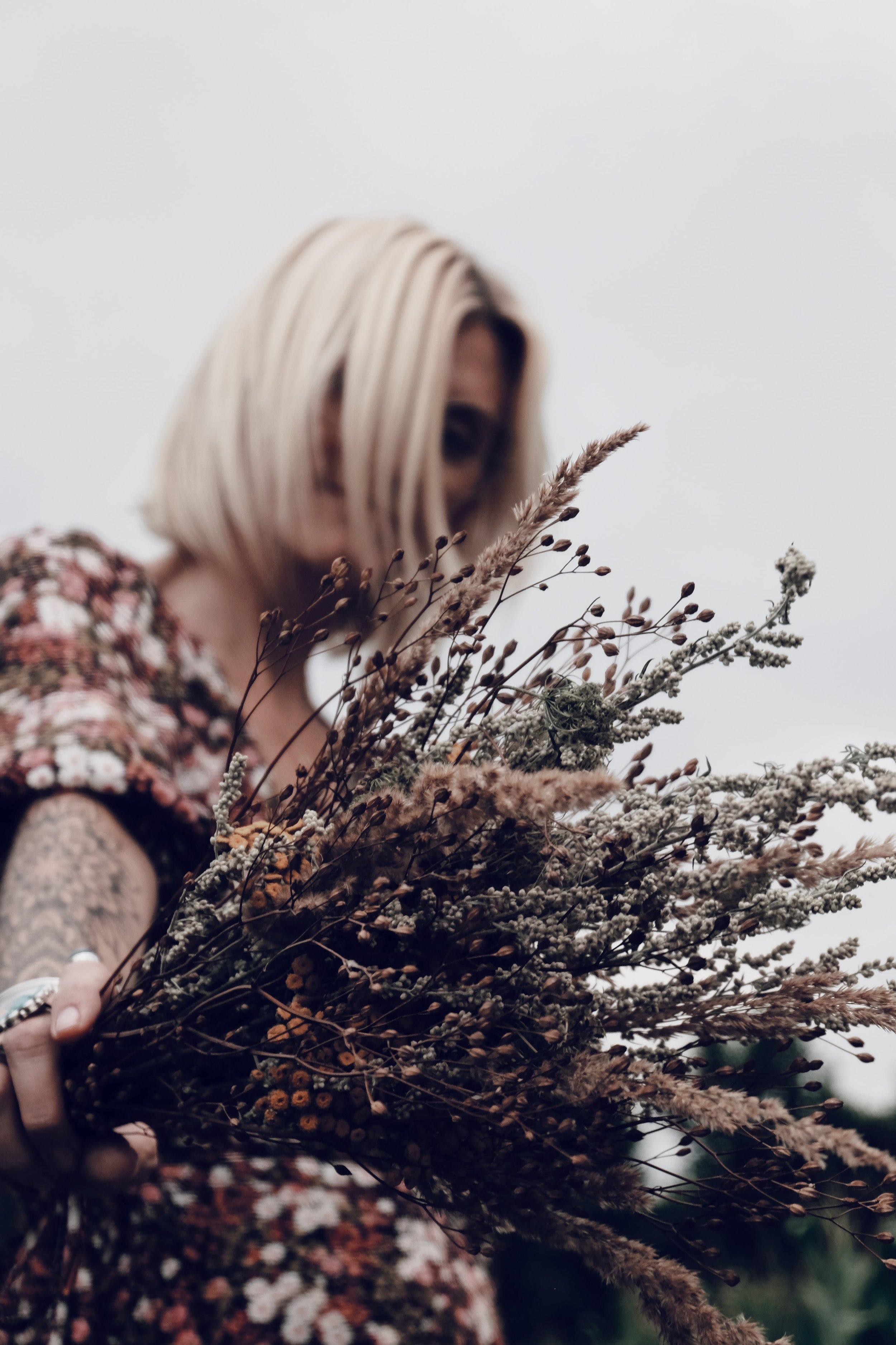 Carnet Sauvage - blog mode - direction artistique Lille - flower dress & other stories 7.JPG