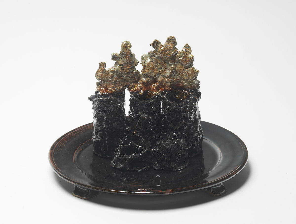 Chimney charger   Reduced stoneware  iron and shino glazes  40x40x40cm