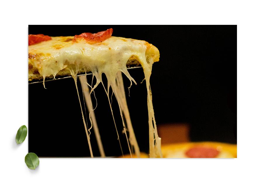 Pizza - Pizzabakeren disker opp med en kjent favoritt. Unn deg en slice før du tar en runde kubb, da vel!