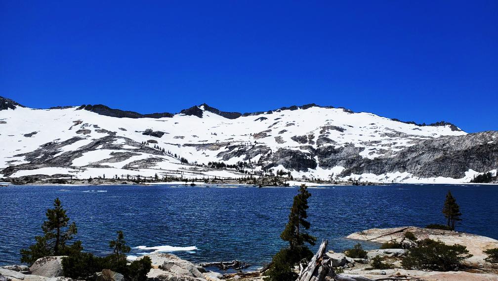 PCT-Day-52-Mountains-Lakes.jpg