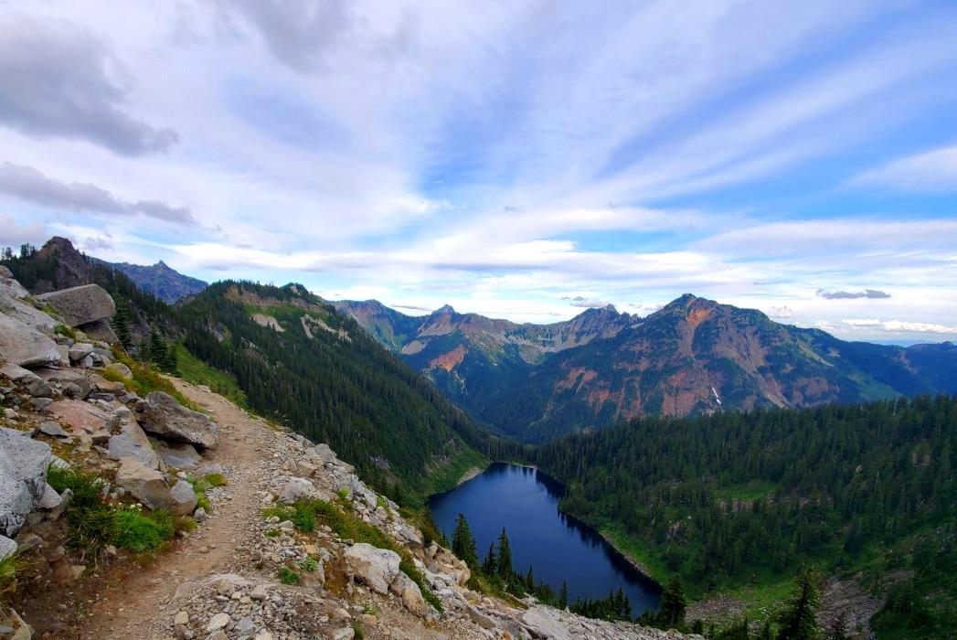 pct-day-86-alpine-lake.jpg
