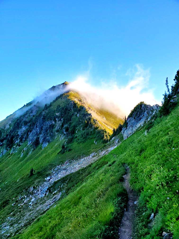 pct-day-90-mountains-with-clouds.jpg