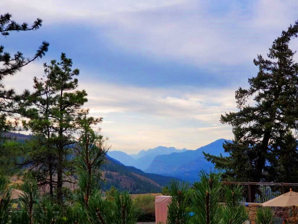 pct-day-93-mountain-view-from-resort.jpg
