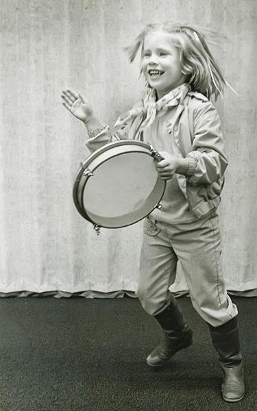 crazy-drum-bw-3.jpg