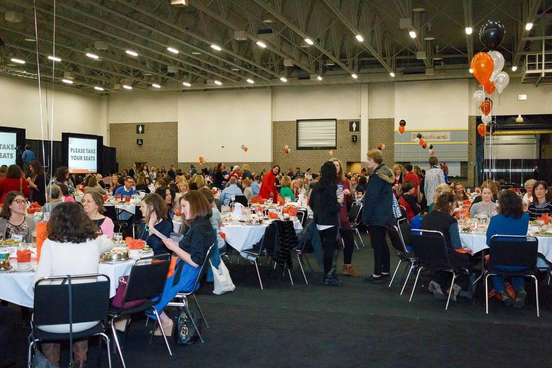 Circle of Women Fundraiser Crowd photo YWCA.jpg