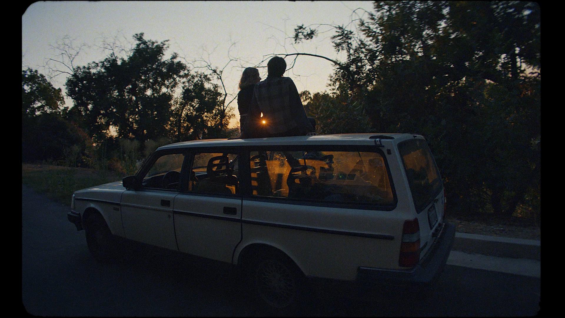 Lukas Graham-Lie-MASTER H264.00_02_01_20.Still043.jpg
