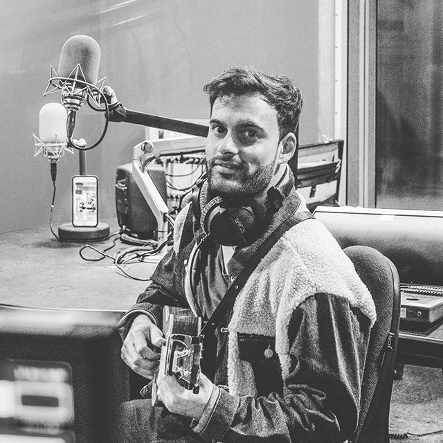 Shot of me performing live on BBC Radio from a while back 😊 • • • • • • • • #uke #player #radio #live #performance #blackandwhite #radiotimes #microphone #ukulele #samwinston #samwinstonmusic #secretsmile #bbc #bbcradio #excited #folk #folkpop #kentfolk #pop #music #musicianslife #folkmusic #jacket #bbcmusic #fresh #original #singer #singing #londonlife