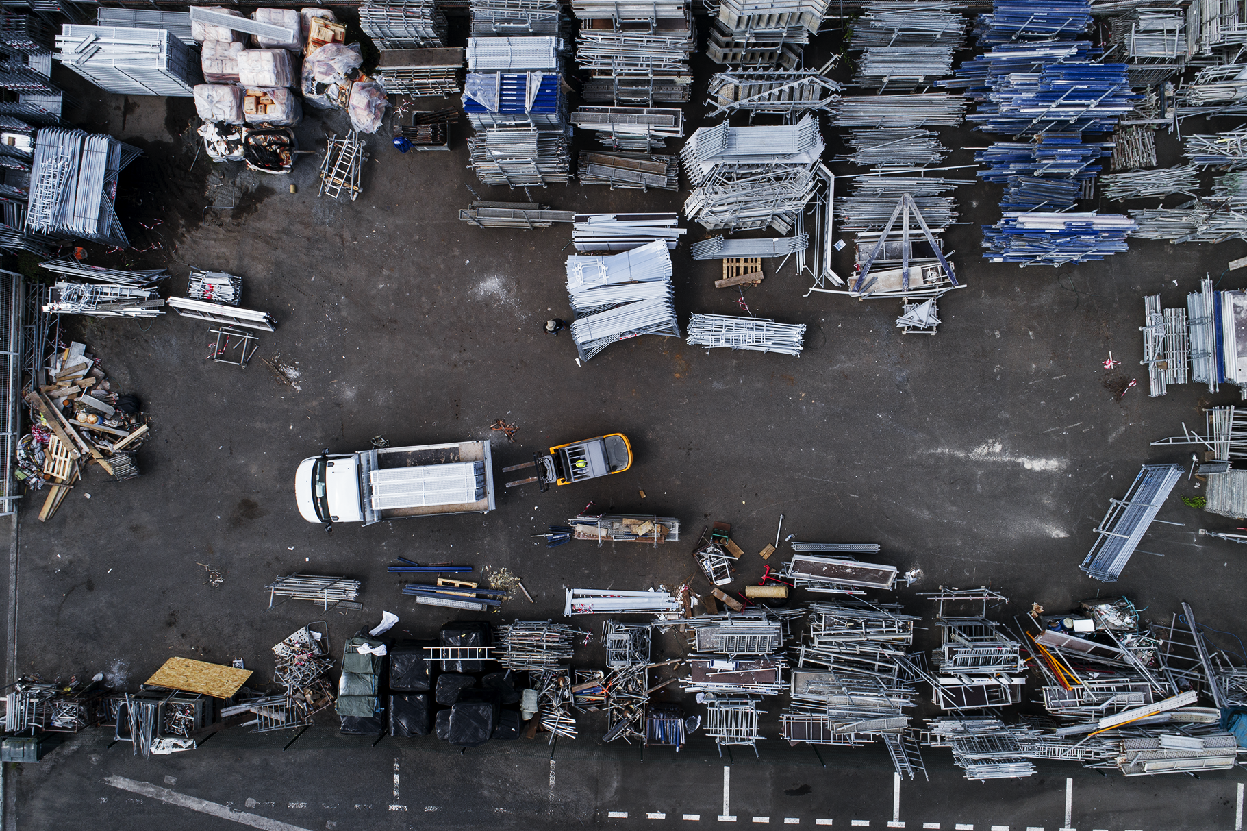 1 000 tonnes d'échafaudage en attente de vos projets - Une capacité de déploiement unique