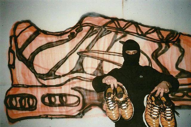 📸 @_poushka . . . #35mm #tntalk #nike #niketn  #graffiti #lacoste