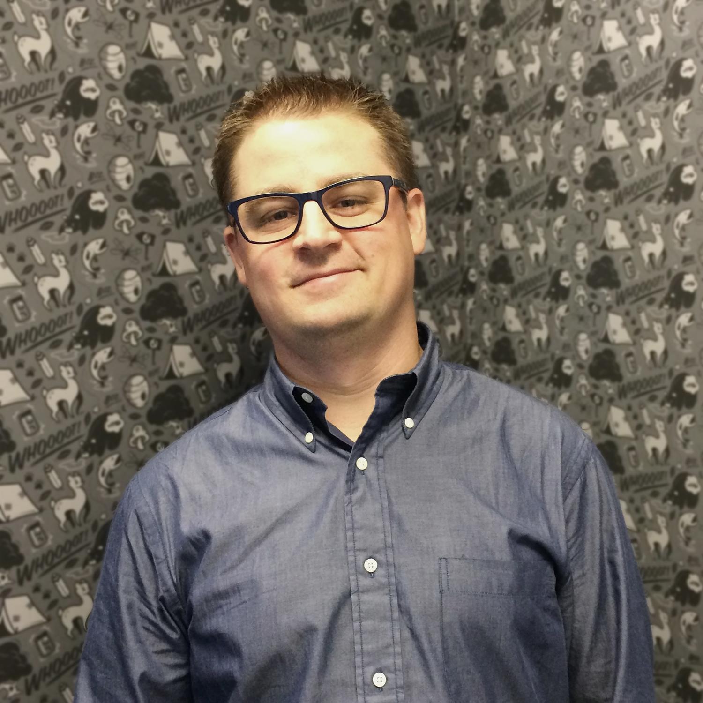 Erik Enberg - Creative Director turned Self-Employed Collaborative Mercenary. Copywriter, CD, Pseudo-Strategist, Golfer. More info.