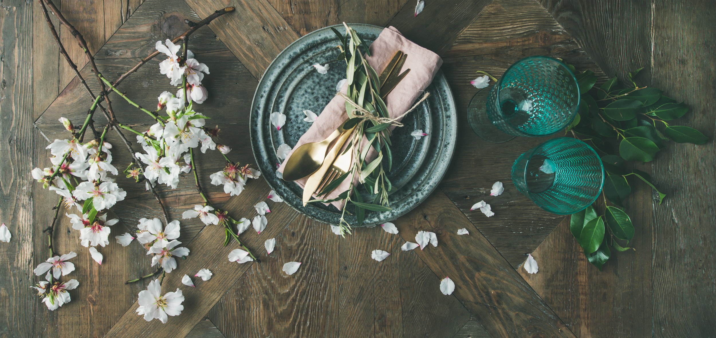 Decor 4% - Table decor by Waterfall Wedding Decor from The White Company