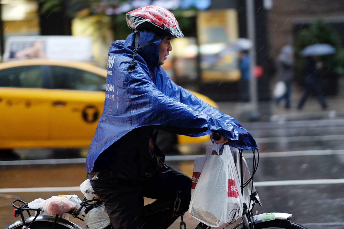 Source:  http://www.grubstreet.com/2016/10/nyc-food-delivery-couriers-demand-better-working-conditions.html