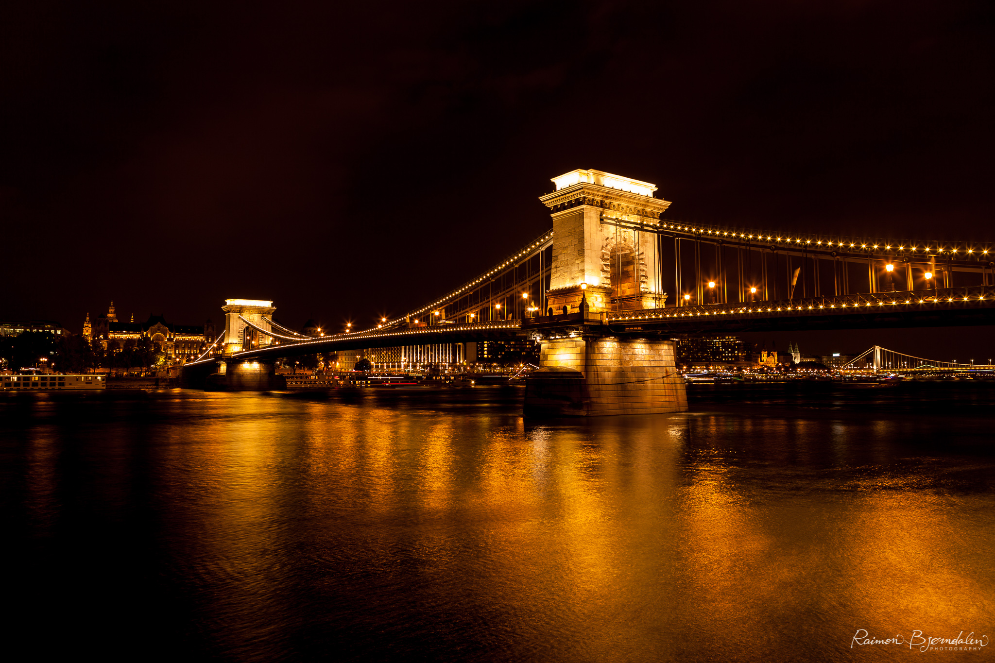 Budapest Bridge 1.jpg
