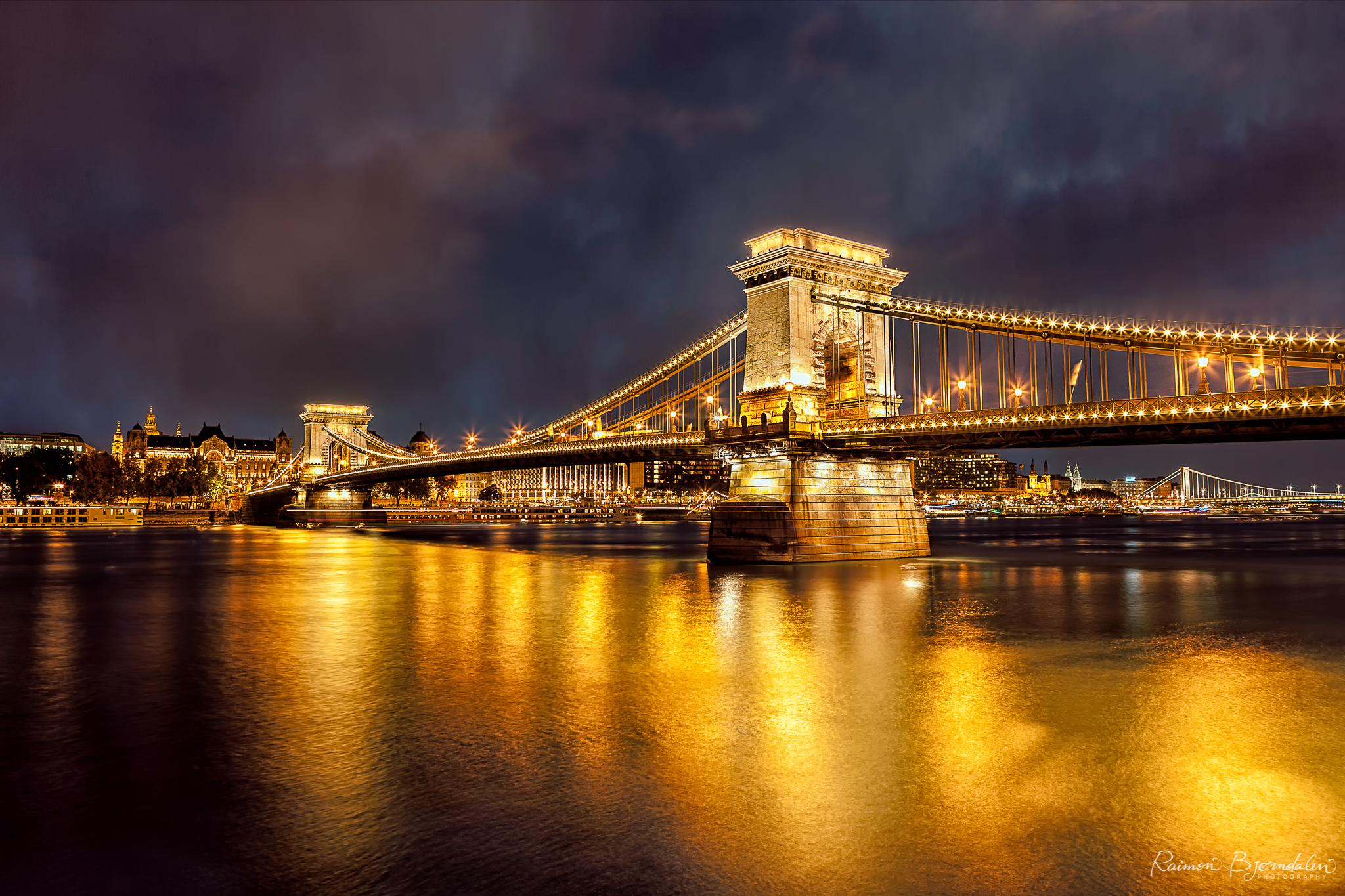 Budapest Bridge 2.jpg