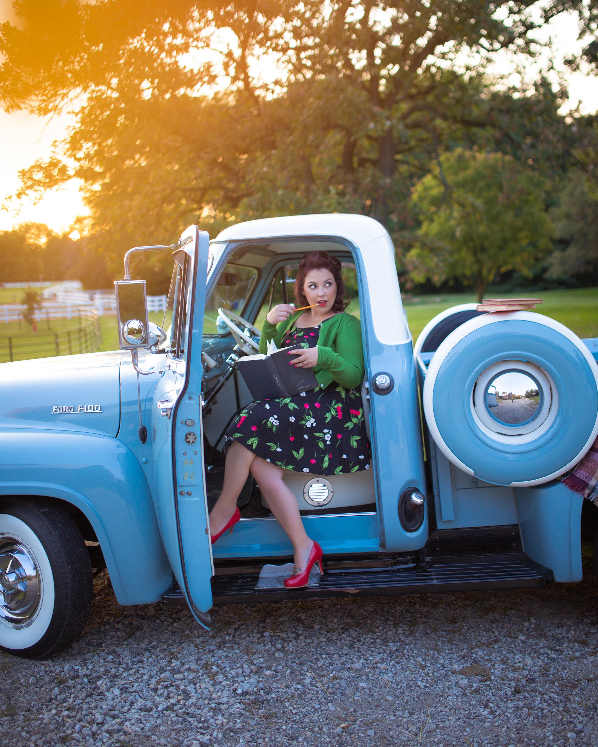 Meet your photographer, Jillian!