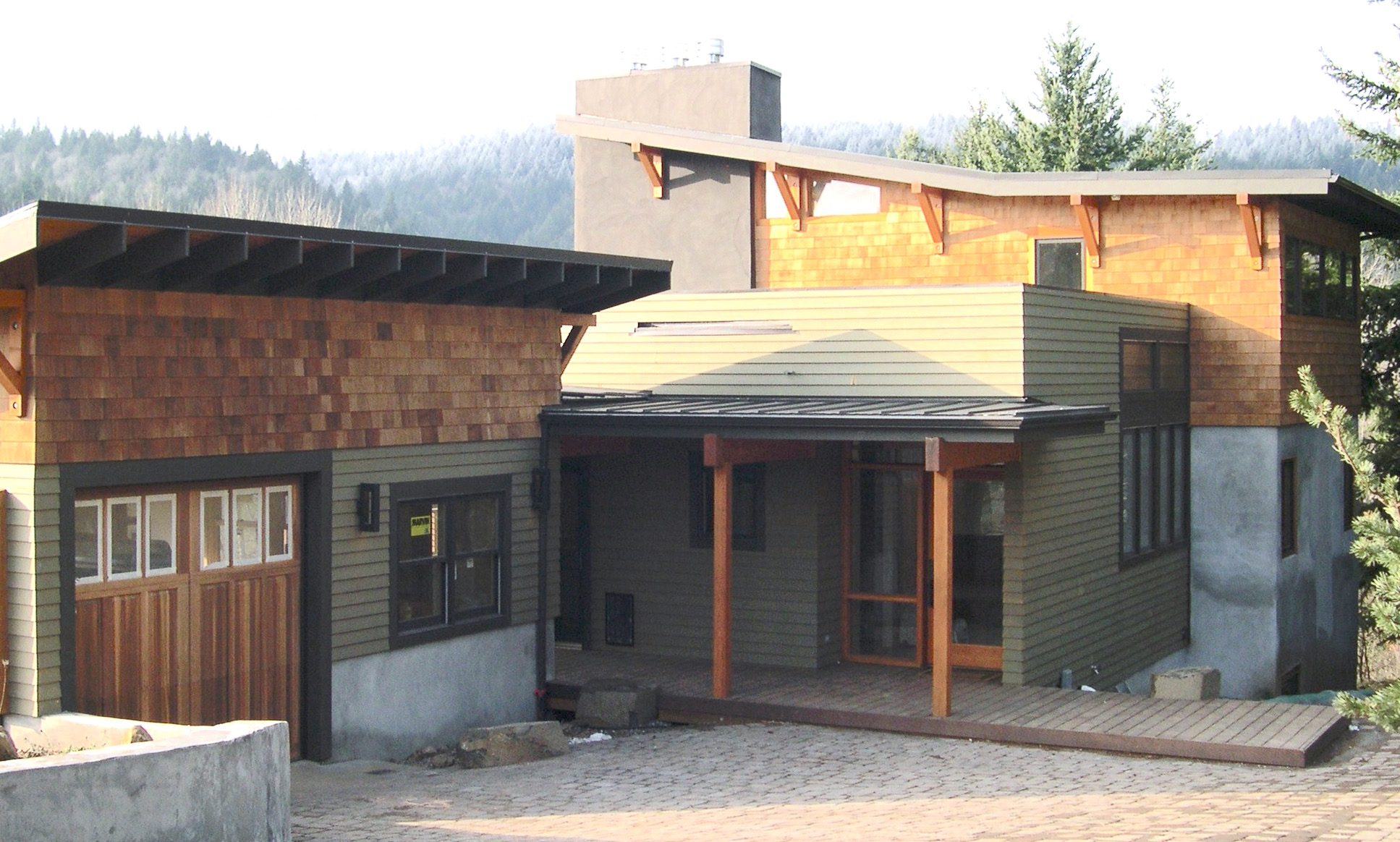 HR exterior garage.jpg