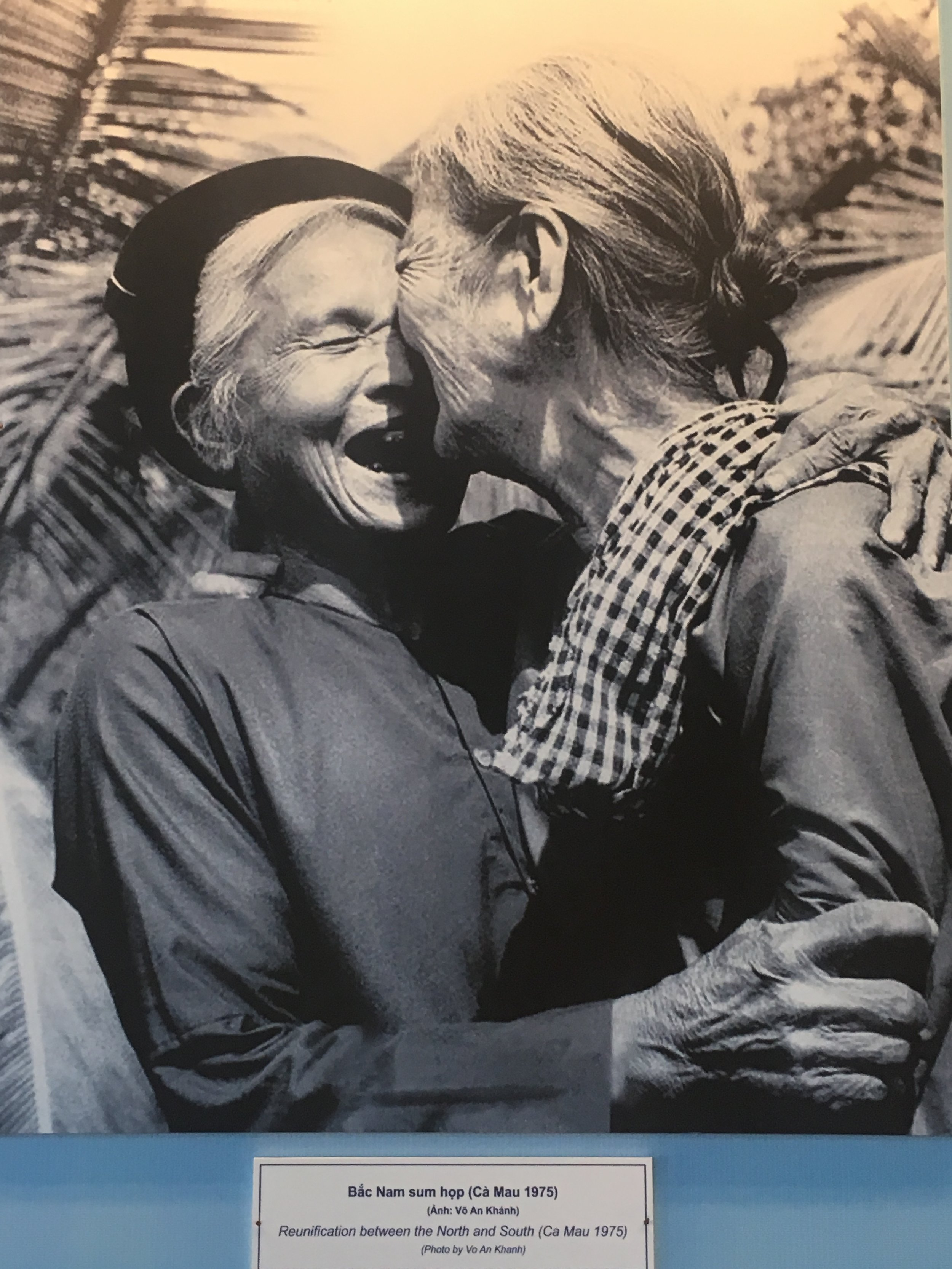 Two relatives reunite after the war