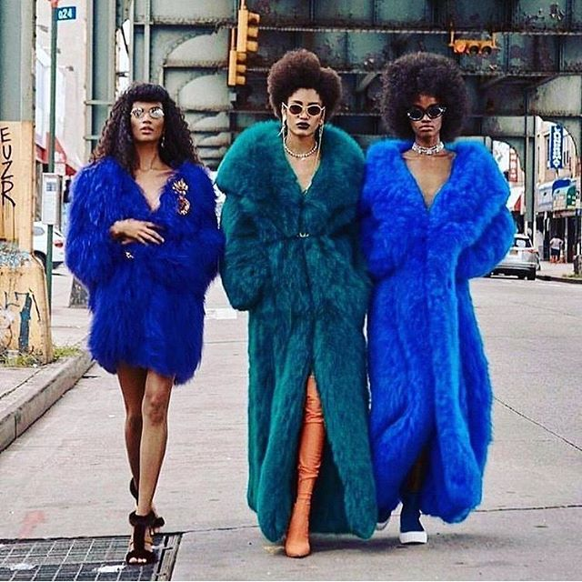 You wanna be in my gang, my gang, my gang. You wanna be in my gang...wear faux fur like a boss and have an undying love for Spice Girls😏🙊 . Spice up your life with one of our rentals. Link in bio☝🏻 . styleinspo #styleinspiration #torontostyle #torontofashion #torontorentals #wardroberentals #torontofashionista #torontostylist #stylisttoronto #makeitpopto #fauxfur #fauxfurjacket #statementjacket #statementpiece #editorialphotography #torontoeditorial #filmproduction #canadianfilm #queenwest #trinitybellwoods #torontophotography #torontophotographer #photographytoronto