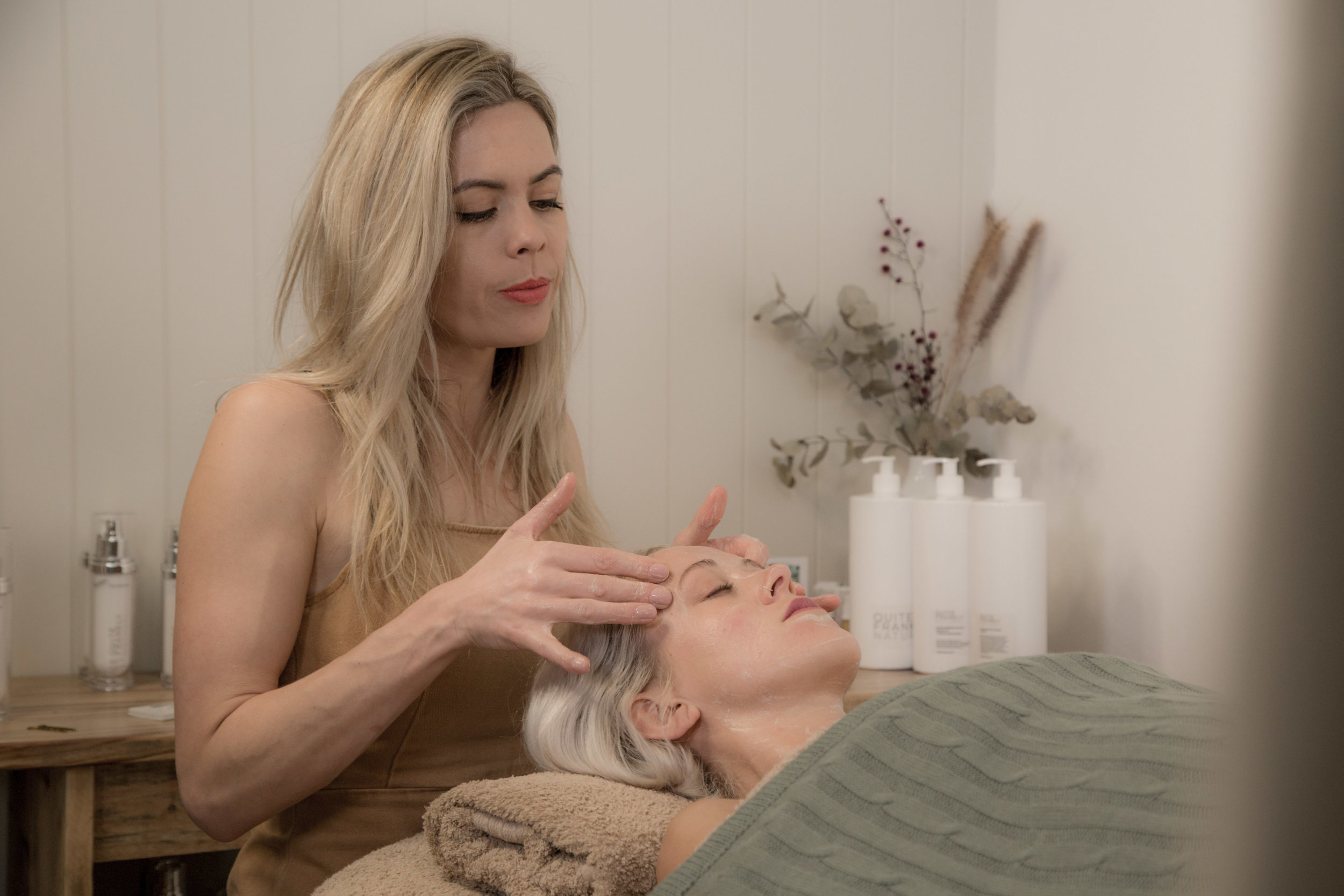 FACIALS - All of our Facials are using professional skincare ranges that are scientifically formulated, plant based, organic, environmentally sustainable, unisex vegan, palm oil free and cruelty free. Each facial will be customised to suit your skin concerns with a detailed treatment plan and professional home care advice with simplicity, multi-use products.