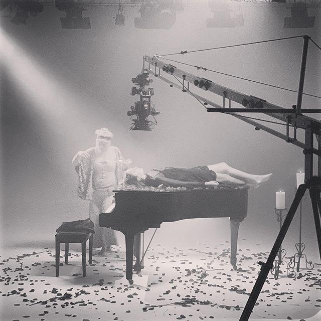 Piano, Jib, and roses.