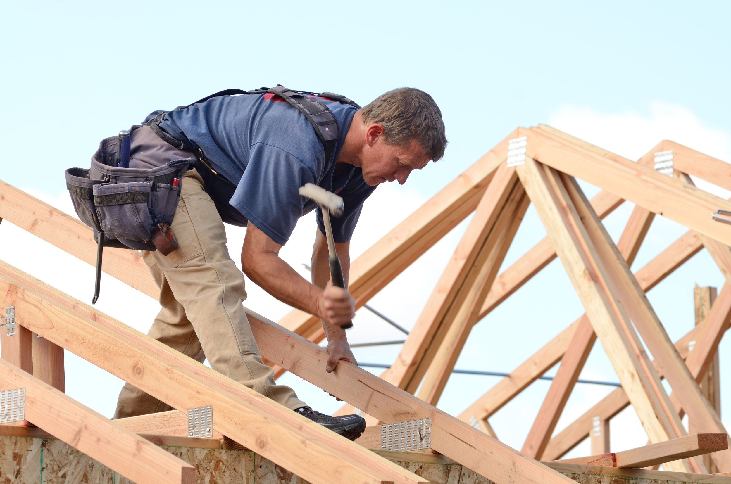 BUILDERS - As a professional you are expected to be an expert in every aspect of construction. Trusstec have years of experience in roof trusses and easi-joists and can help ensure you provide that professional result to your customer.Trusstec pride themselves on their site erection drawings supplied with every roof or floor which ensure accurate and efficient erection on site.Trusstec offer a chargeable site measure service, especially useful for extensions where a new roof must match seamlessly with the existing.