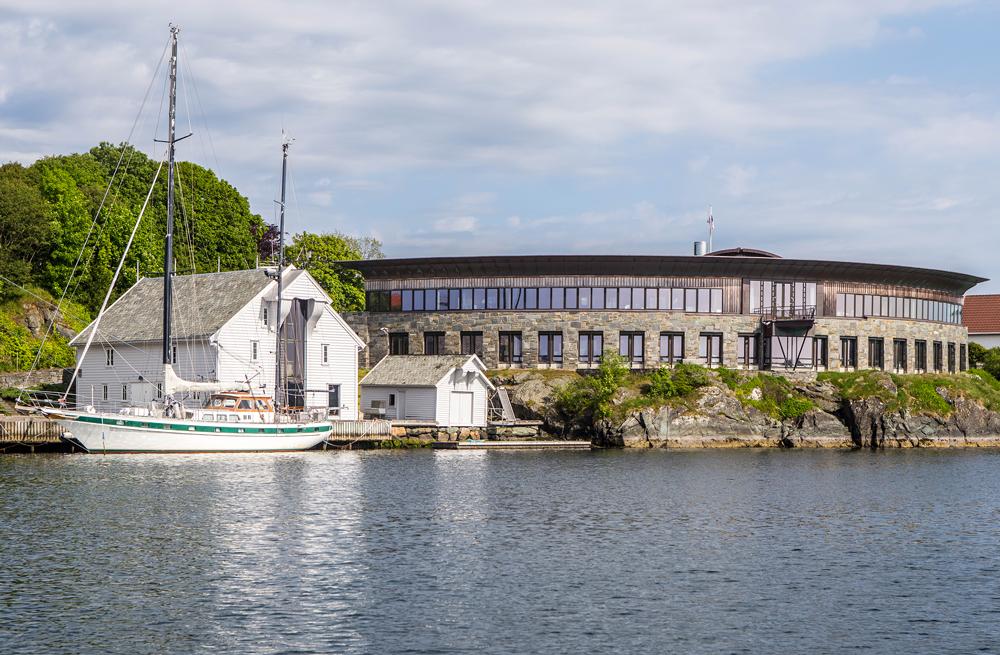 Sjøhuset til Trygve Seglem og kontorbygget til rederiet Knutsen OAS Shipping AS, Foto: Arkitektkontoret Brekke Helgeland Brekke AS