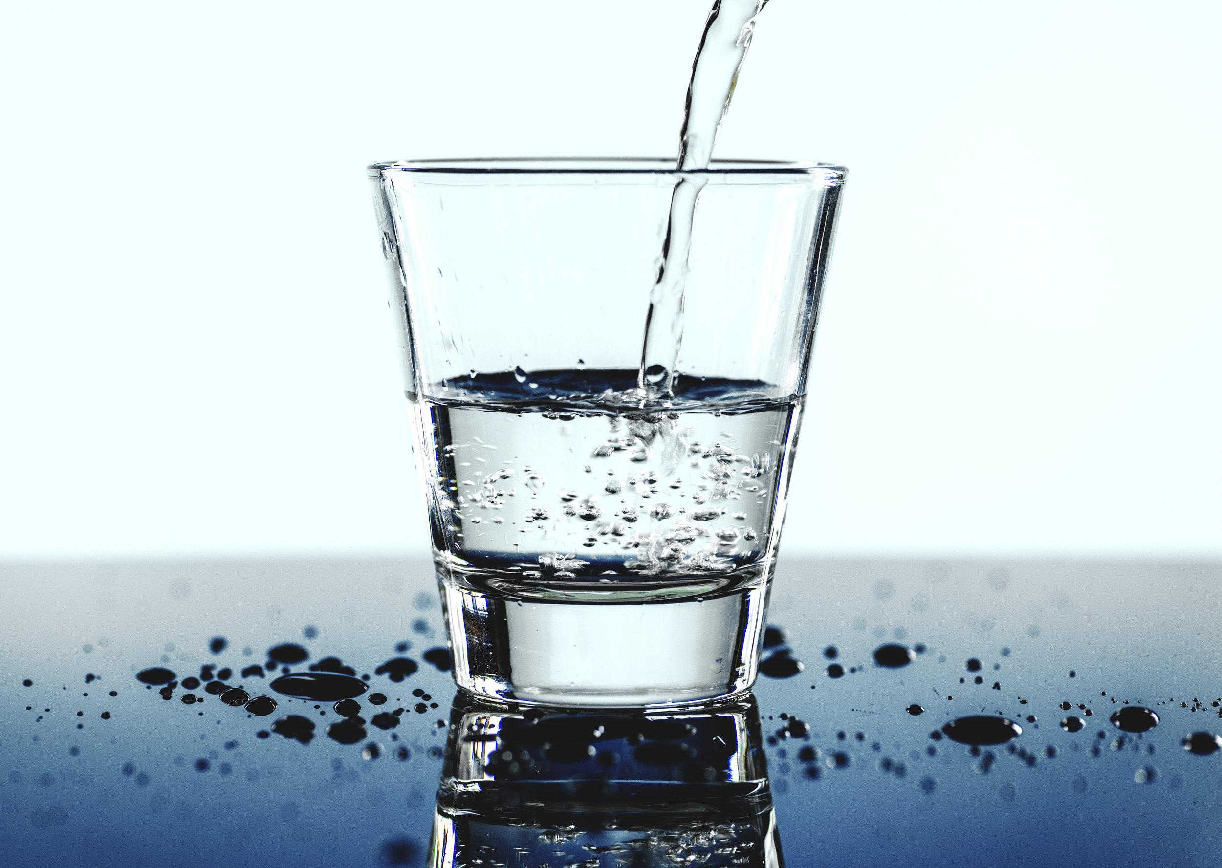 Husk å drikke vann.