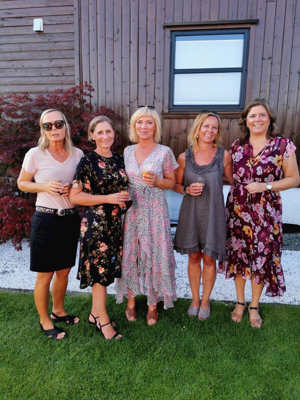 Merete, Anette, Nina, Liv Ingjerd og Bitten. Love!