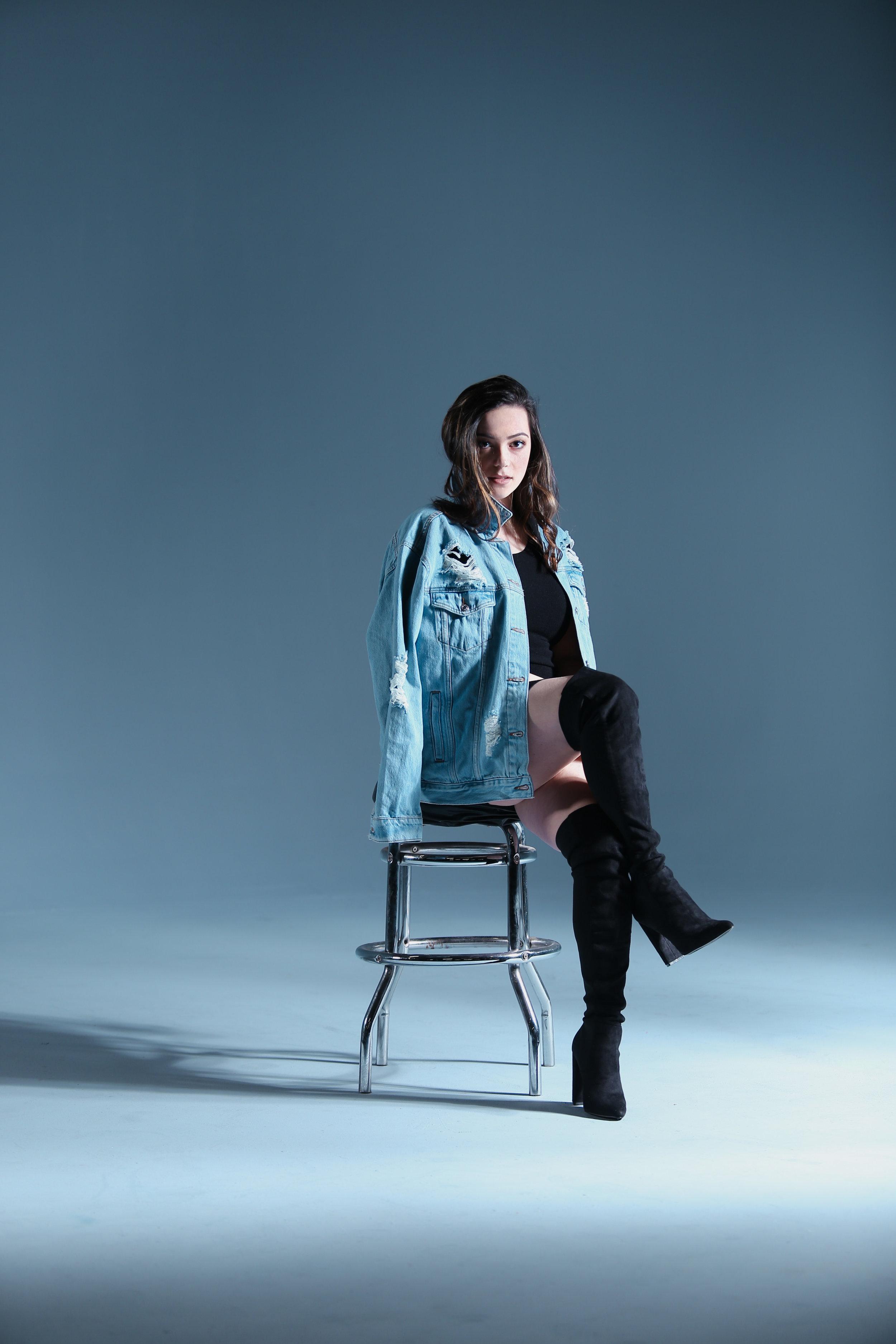 MAURA STREPPA - SINGER/SONGWRITER