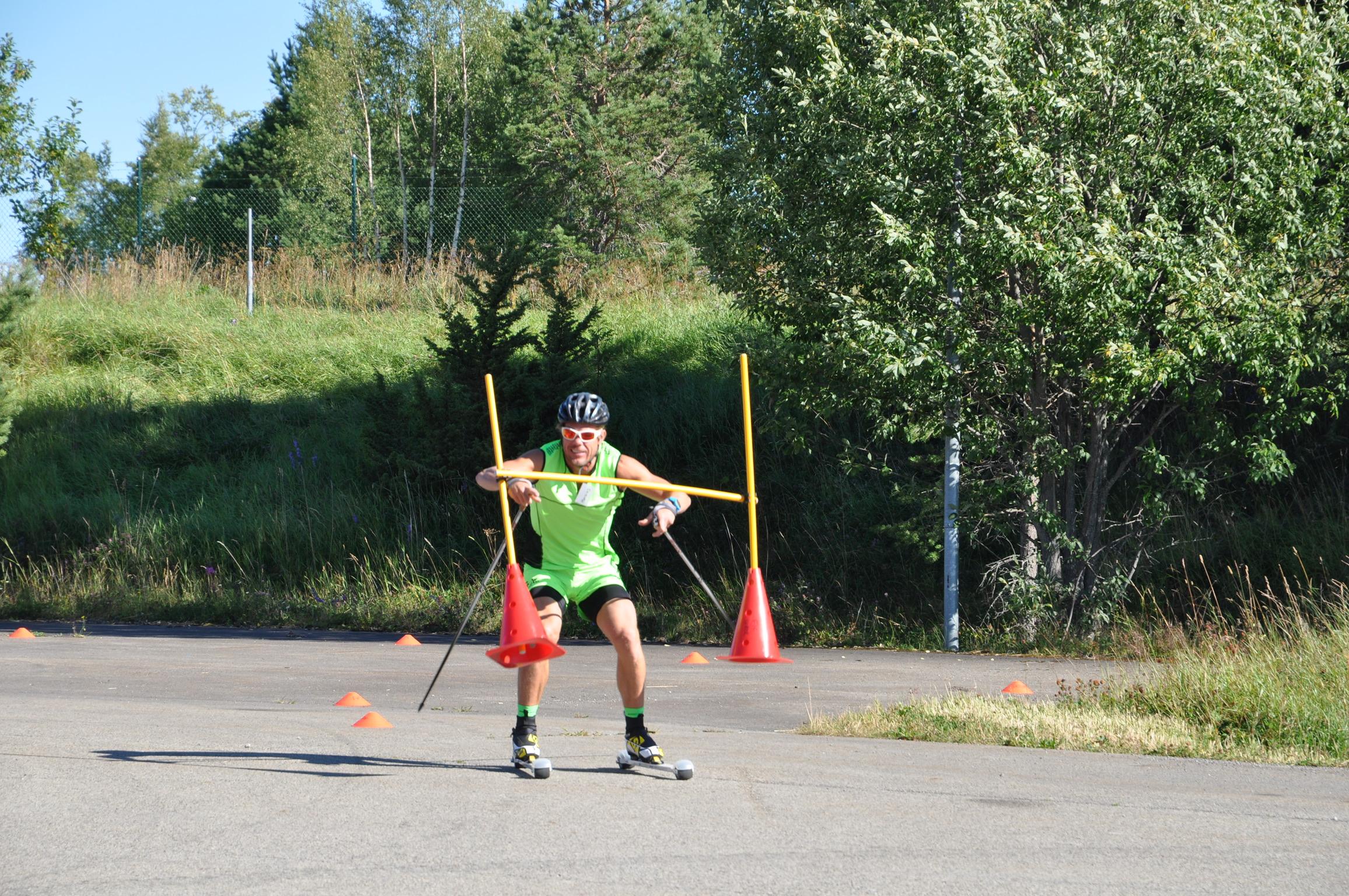 … här har ni självaste Mathias Fredriksson in action på en av Emils konbanor på ett av alla summercamps vi haft genom åren.