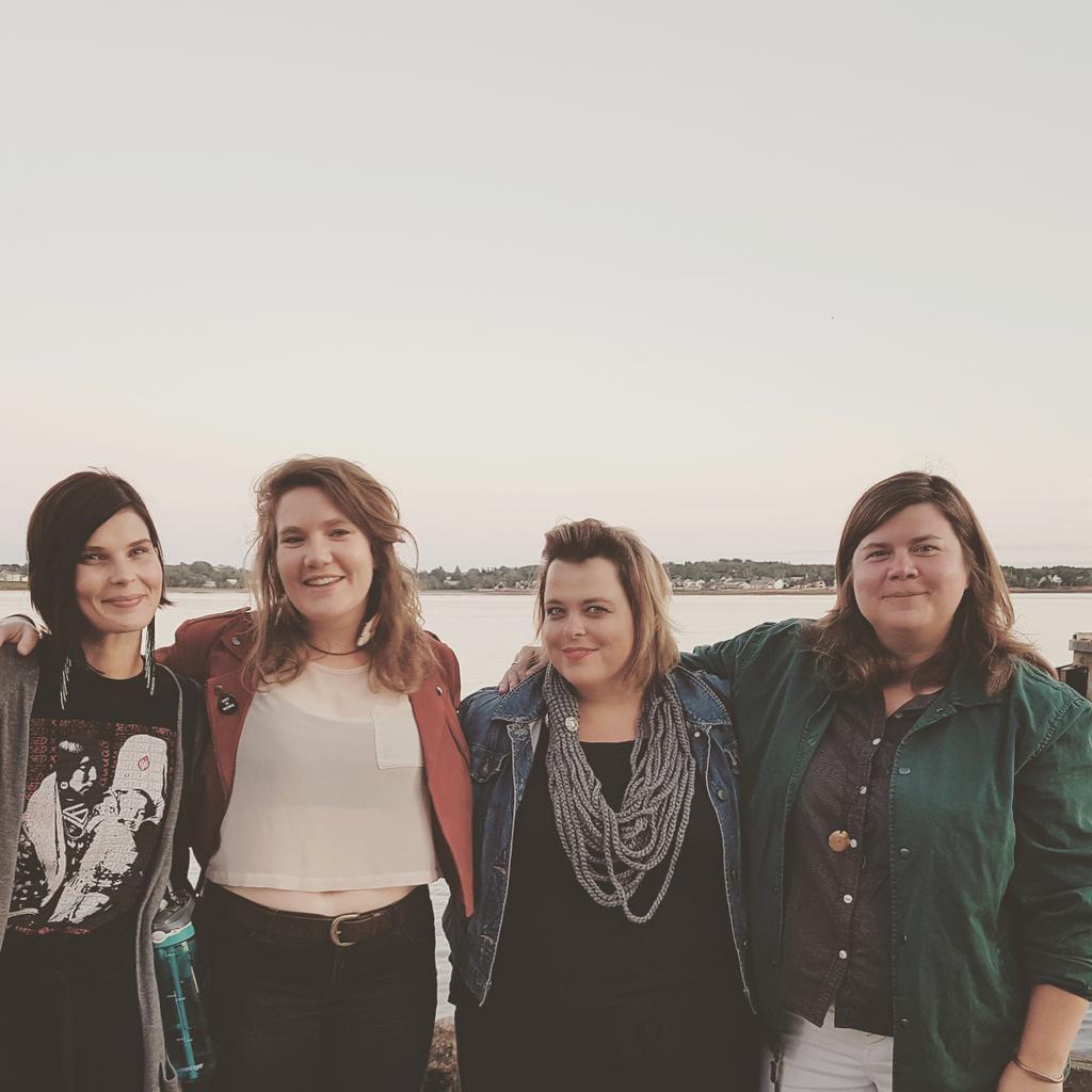 Gauche à droite: Meagan Musseau, Joanna Barker, Shannon Webb-Campbell, Lindsay Dobbin. Photo: Shannon Webb-Campbell.