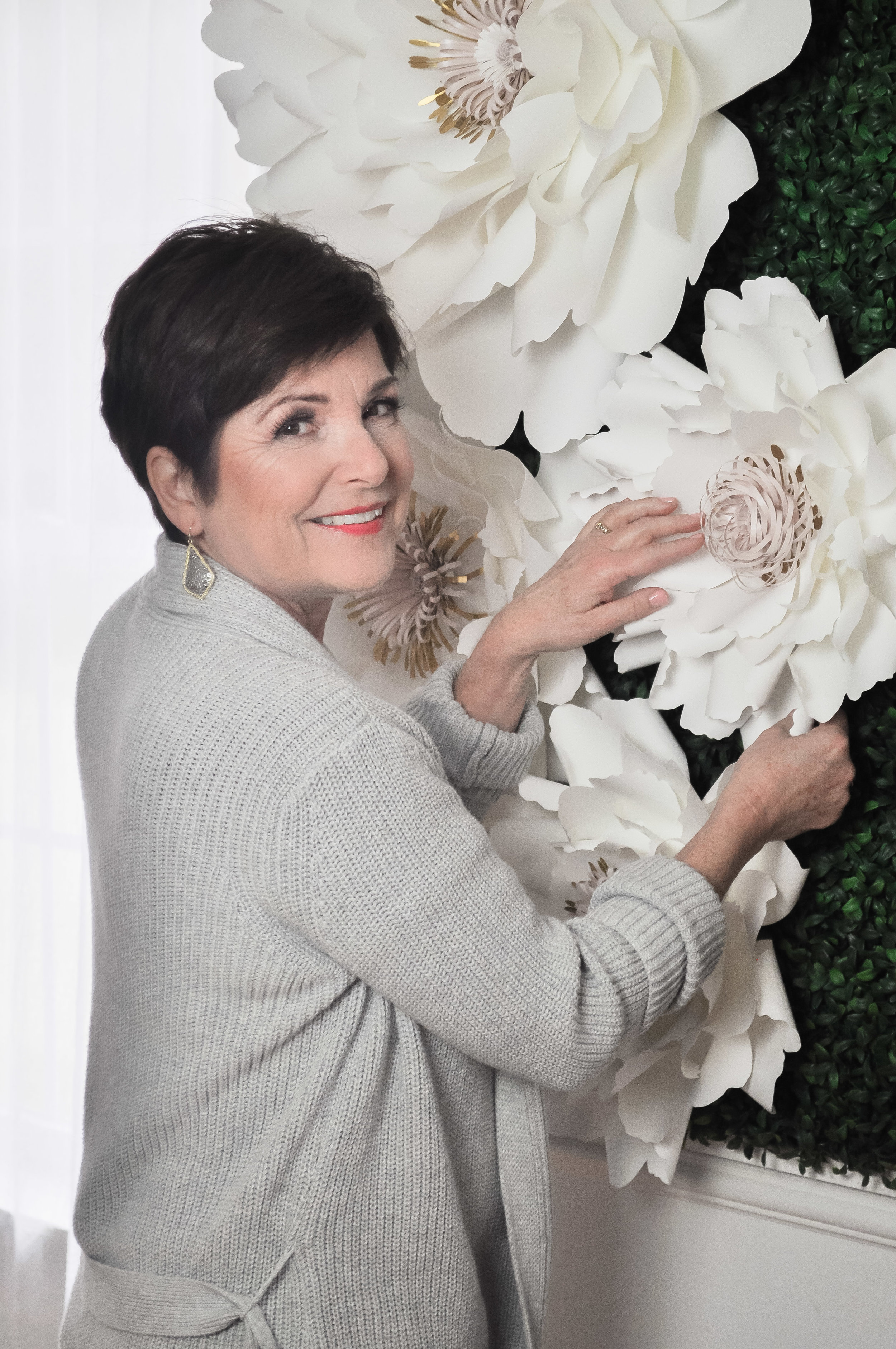 Linda Dodge - Linda Dodge was born and raised in Ontario, Canada. She is the designer and creative entrepreneur behind Linda Grace Paper Florist located in McKinney, TX. Her boutique specializes in elegant paper flower arrangements and full-wall flower backdrops for special events and weddings.