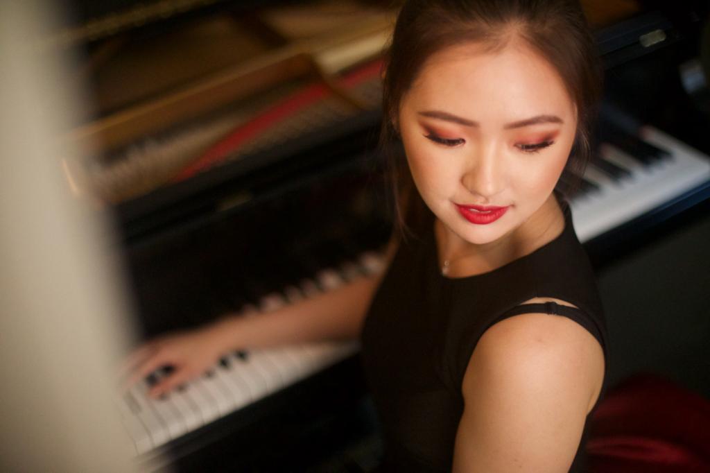 Chelsea Wang, piano