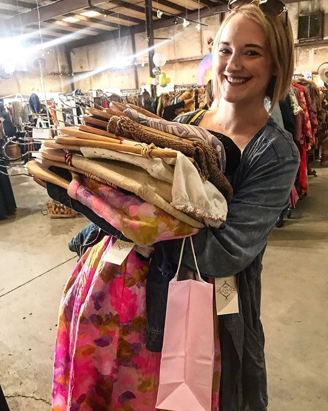 ✨Hands (and hearts) FULL of Vintage Goodies! 2 more hours to shop, come on down to 28th & Blake 🛍
