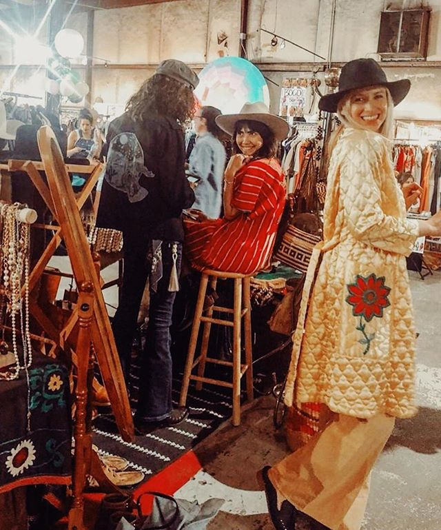 😍 #Repost @teena_bell ・・・ Had so much fun shopping at the Bonfire Vintage pop up this past weekend! Met the lovely ladies who own @newrelevancevintage and @idaandmoon - check em out!!