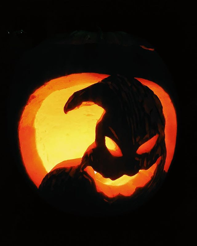 Happy Halloween! Wonderfully carved pumpkin by @iamiansmith.