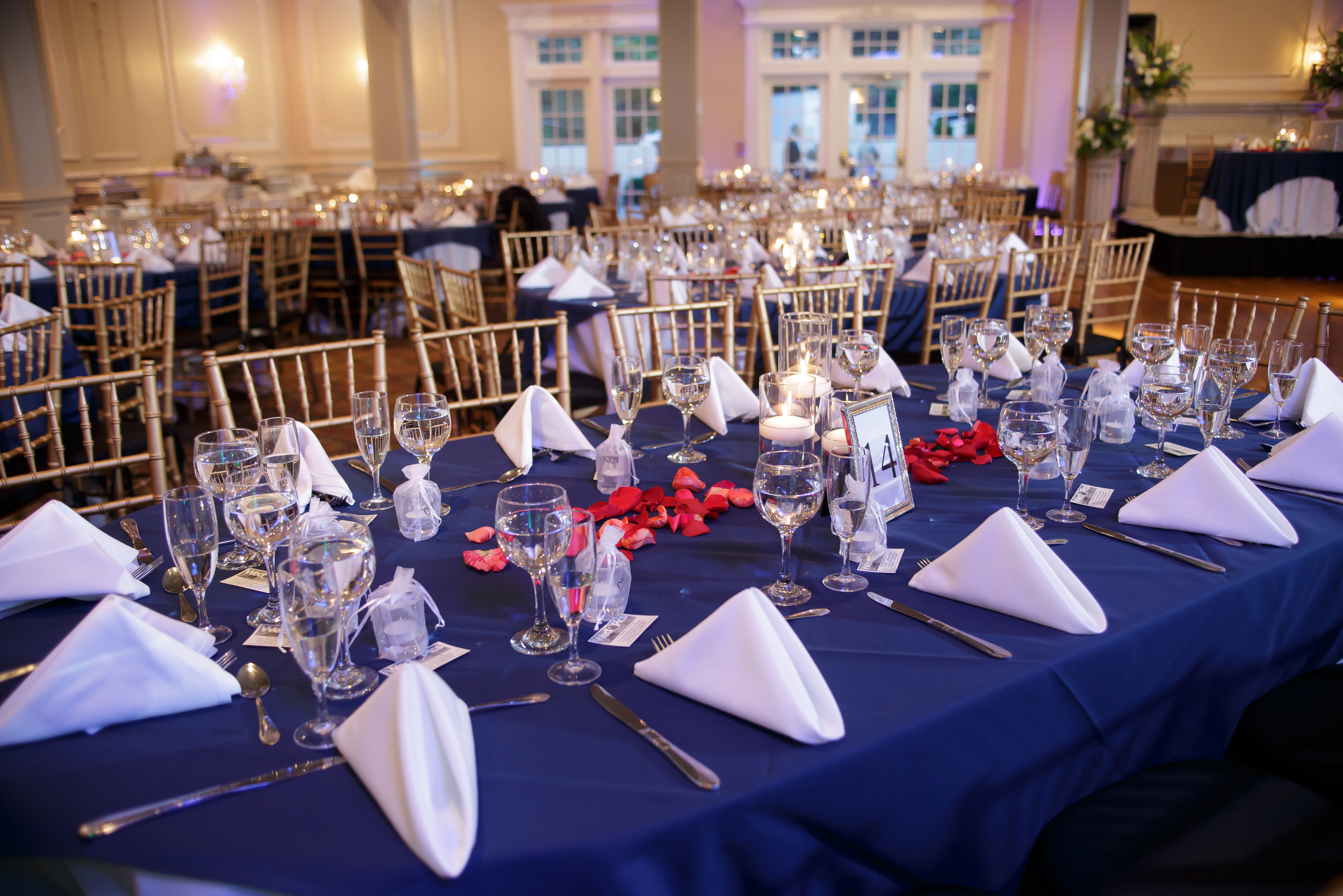 Wedding_Reception_Simple_PlaceSetting_Navy_2016.jpg